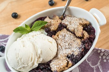 Slow-Cooker-Blueberry-Cobbler-26
